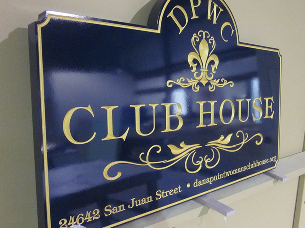 Club signs Honolulu